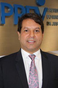 Dr. Jair